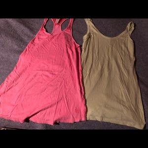 Victoria's Secret PINK tank tops small